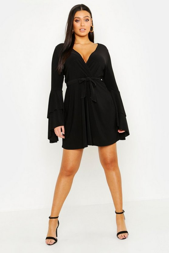 Womens Black Plus Plunge Neck Flared Sleeve Skater Dress