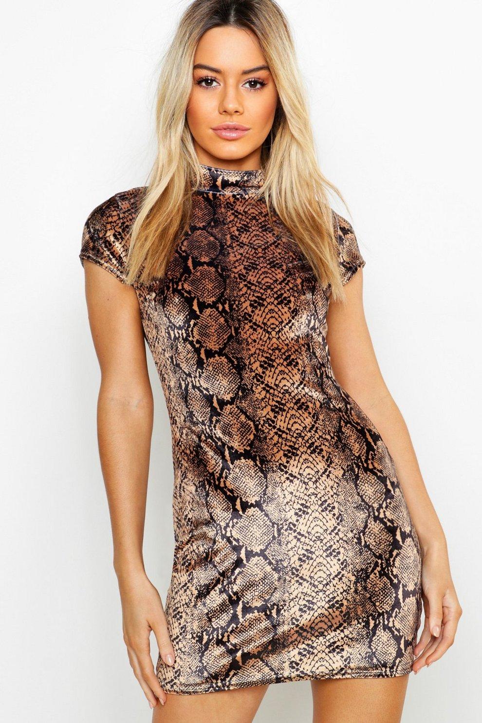 c9b6f9970487 Petite Velvet Snake Print Bodycon Dress