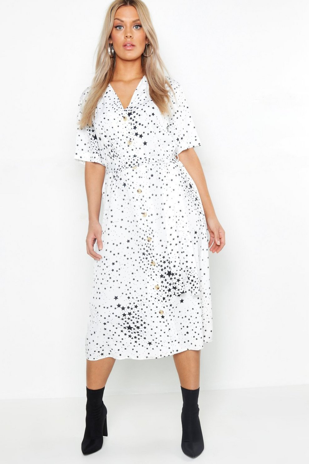 e47849ed9d46 Plus Star Print Button Detail Midi Dress | Boohoo