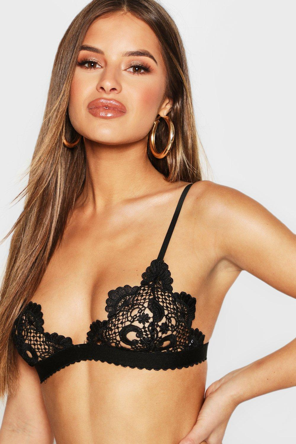 Petite Scallop Edge Patterned Lace Bralet