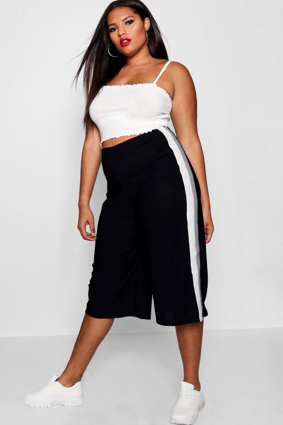 88ac8275001988 Plus Yandie Pantaloni culottes sportivi a righe in crêpe | Boohoo