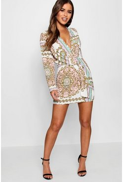 Womens White Petite Chain Print Woven Shift Dress