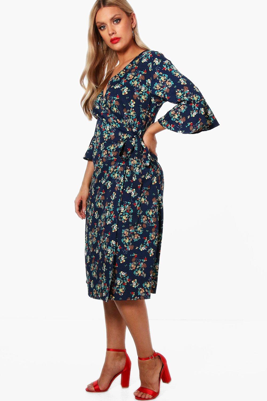 50ee982f45b3 Plus Heidi Floral Wrap Midi Dress
