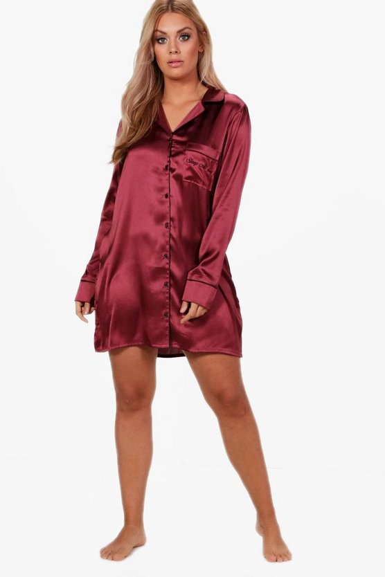 Plus  » « Sleep All Day » « robe de nuit satinée