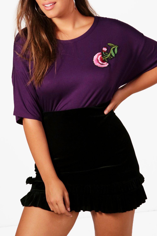 Boohoo-Camiseta-Con-Adorno-Floral-Tracey-Plus-para-Mujer