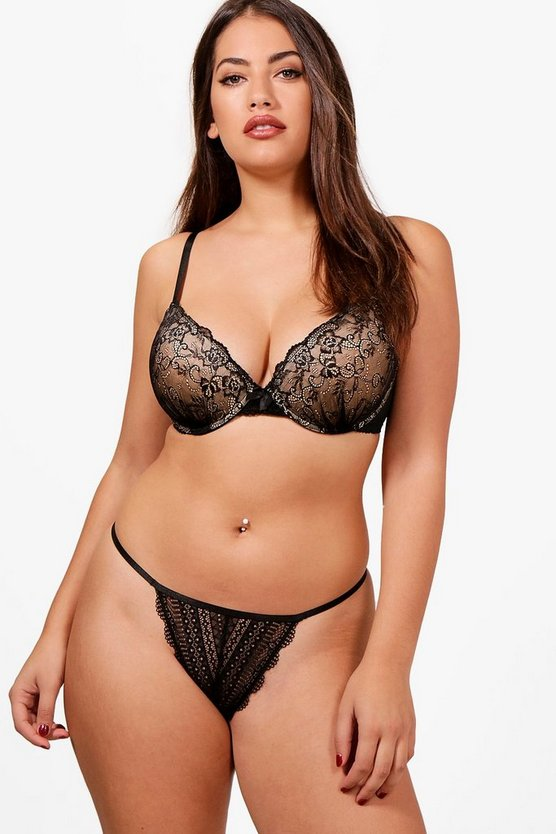 Plus DD+ Lace Underwire Plunge Bra