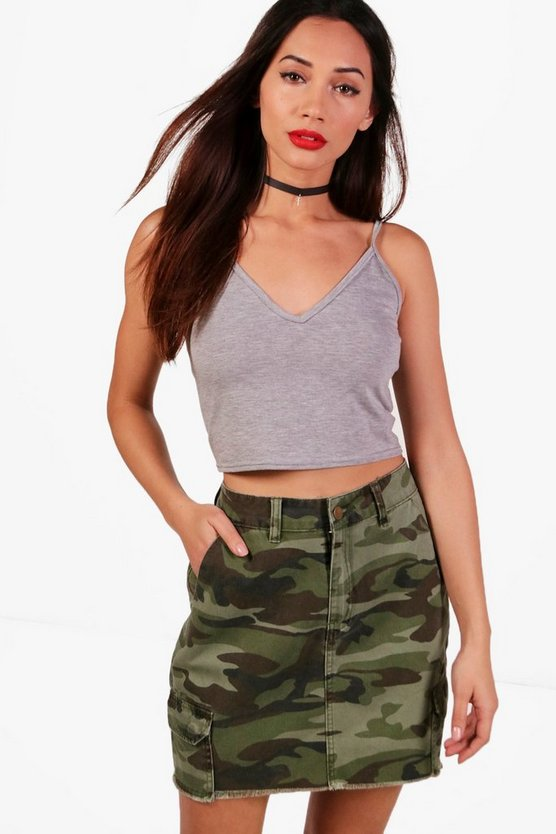 Petite Sara V Neck Basic Crop Top