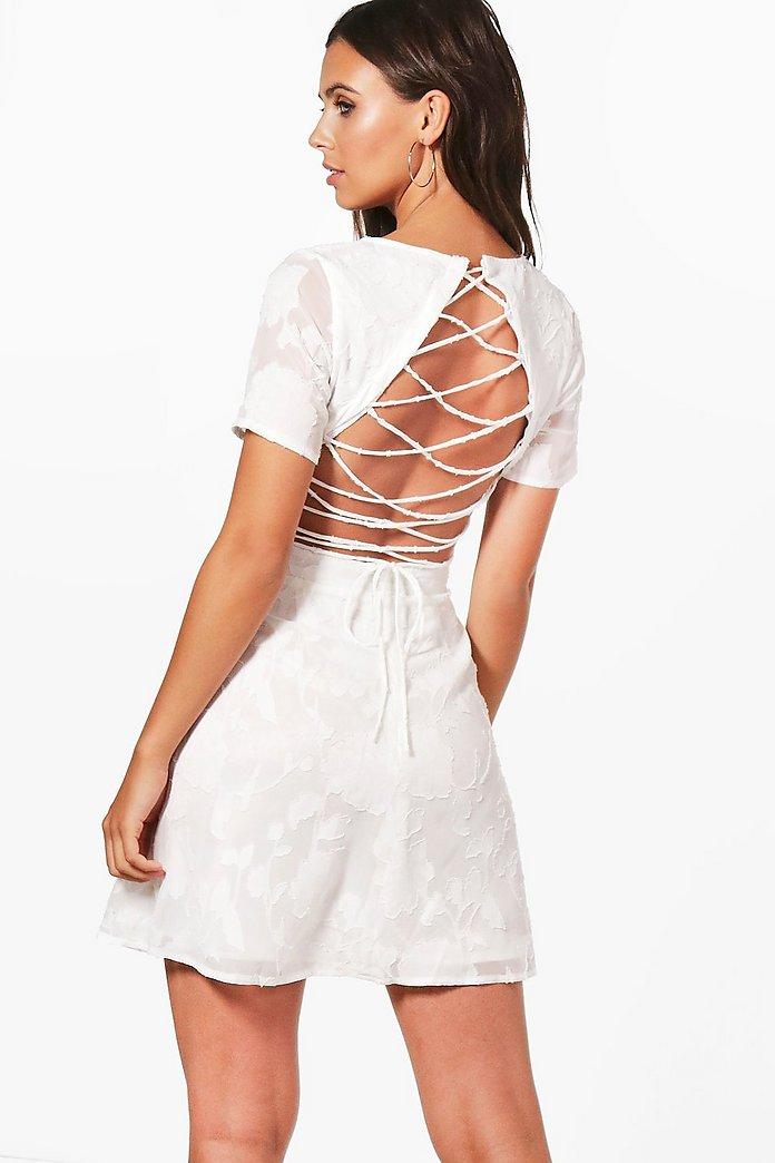 robe dos lacé