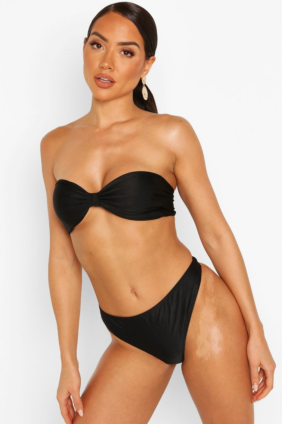 Can not redhead in a thong bikini