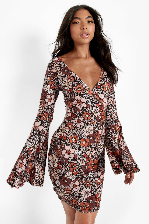 60s Dresses | 1960s Dresses Mod, Mini, Hippie Womens Tall 70S Floral Print Flare Sleeve Mini Dress - Brown - 14 $36.00 AT vintagedancer.com