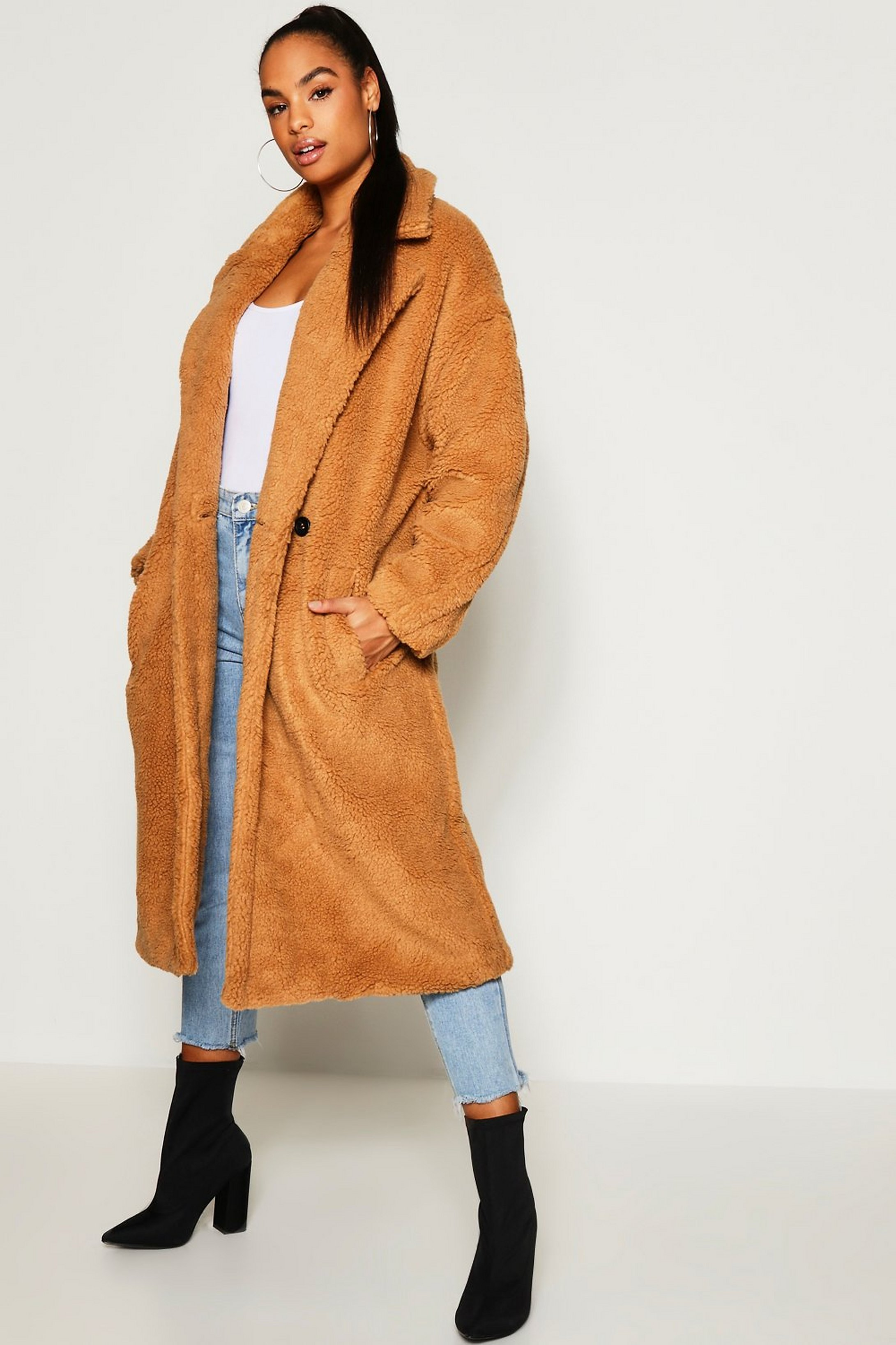 Manteau long Teddy en fausse fourrure Tall | Boohoo