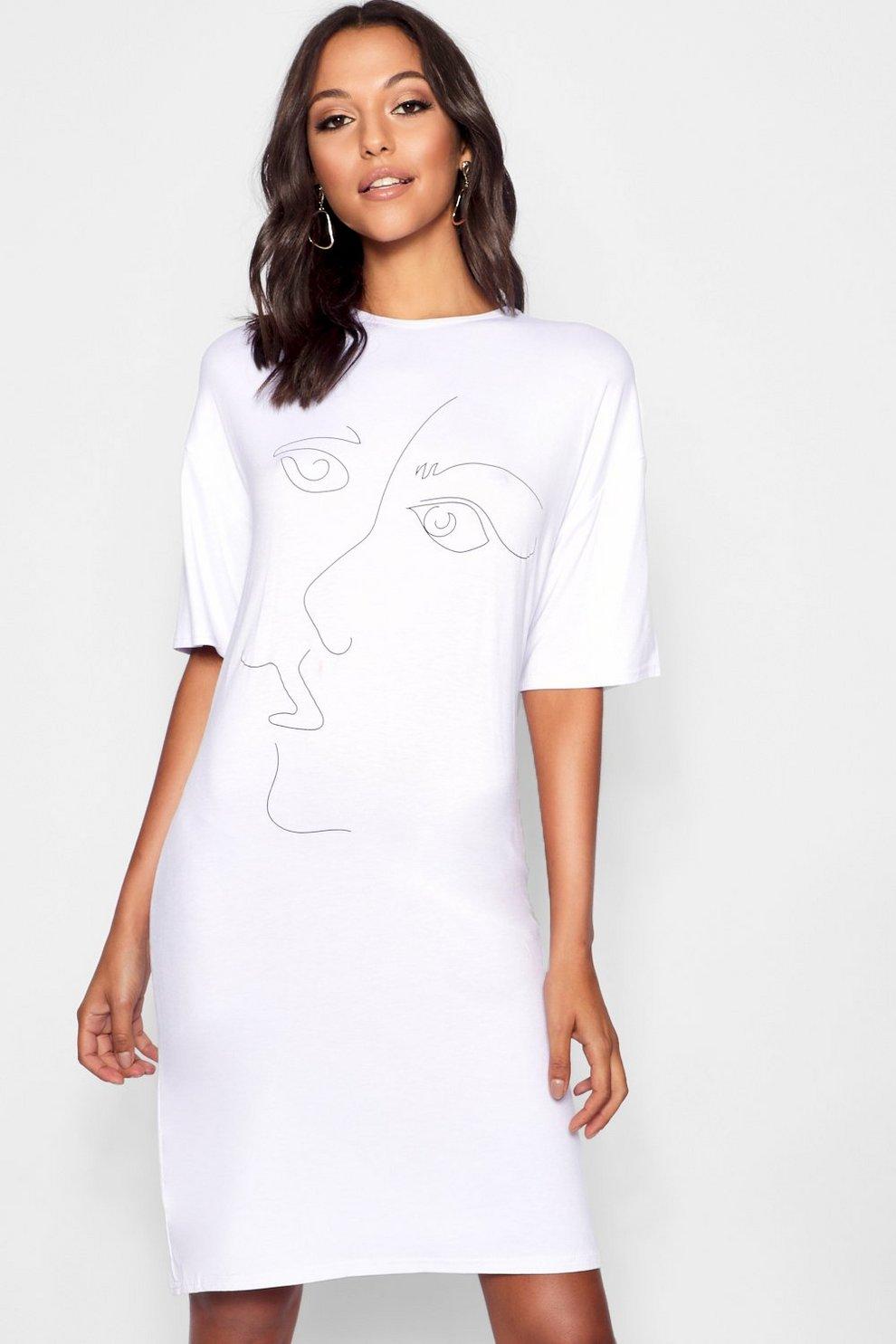 Abito A T Shirt Oversize Con Viso Stilizzato Boohoo