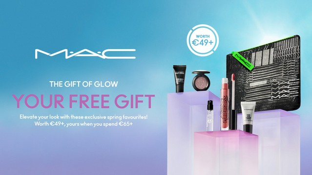 M.A.C The Gift of Glow