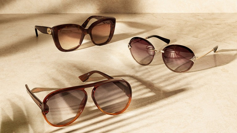 d579d807ba79 Fast-track your spring-summer style with the sunglasses shapes of the  season.