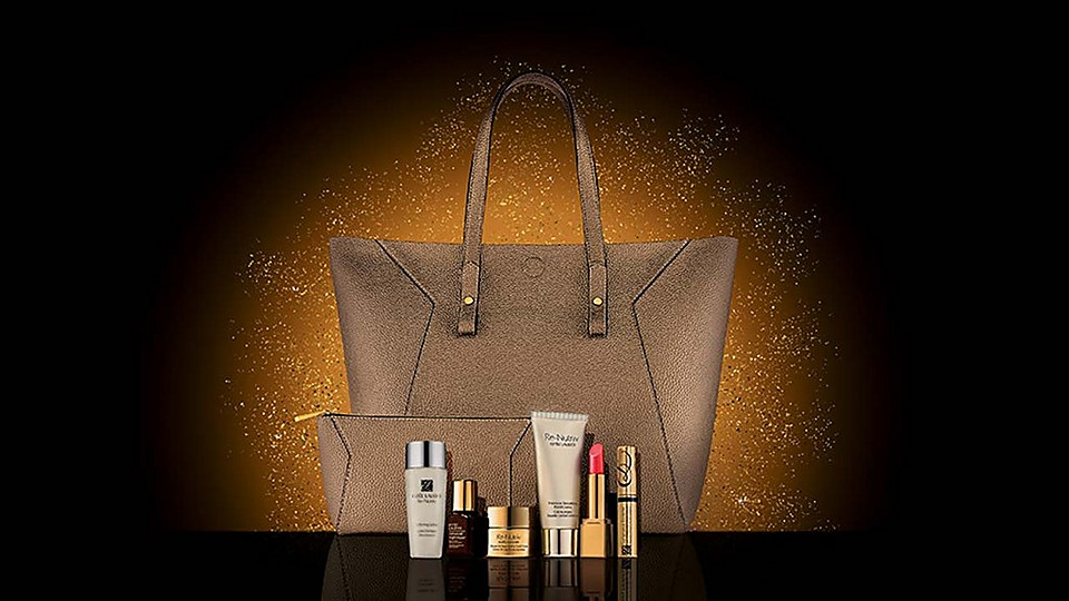 ESTÉE LAUDER IS GIFTING