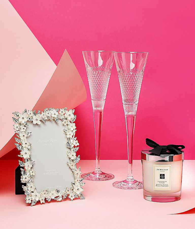 Wedding Gifts Cant Decide The Perfect Gift For Newlyweds Let Us