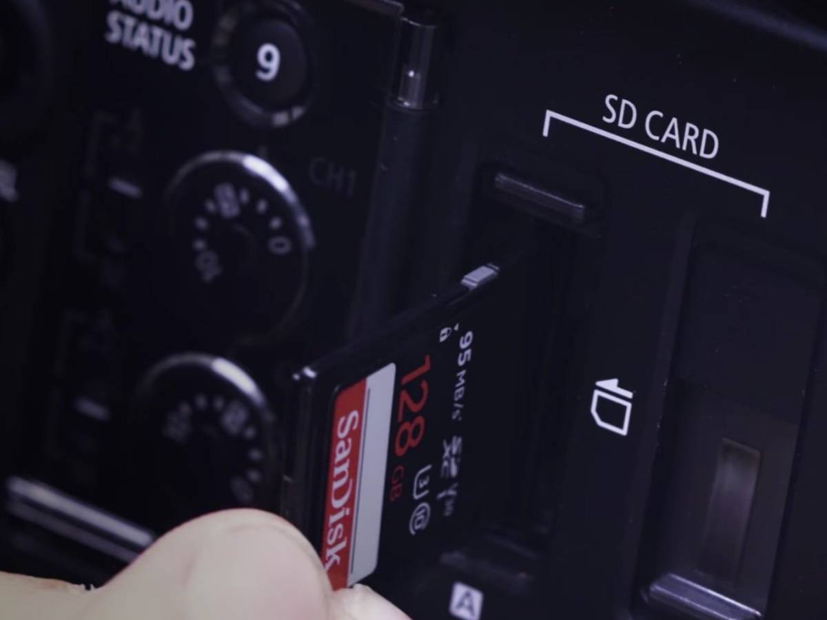 Record UHD and Full HD to XF-AVC*/MP4 on low-cost SD cards in camera