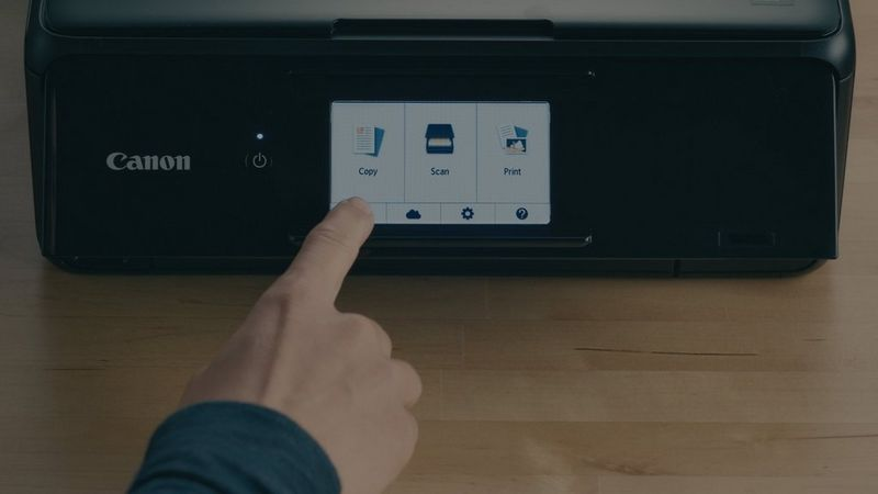 Set up/register up to 10 printers using the Canon PRINT app and share them among multiple users