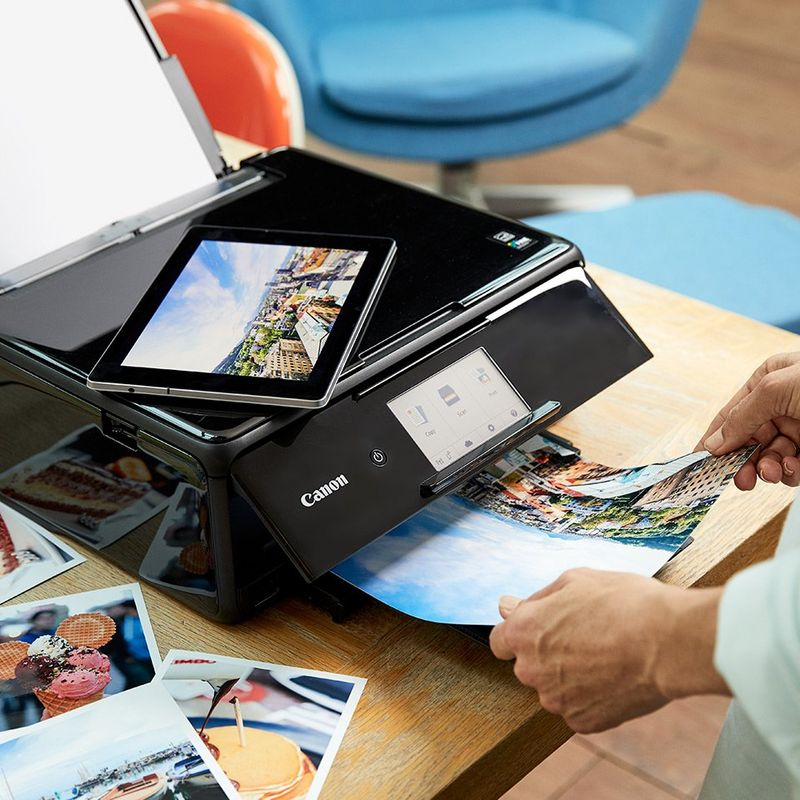 Print all your stories with ease using the Canon PRINT app.