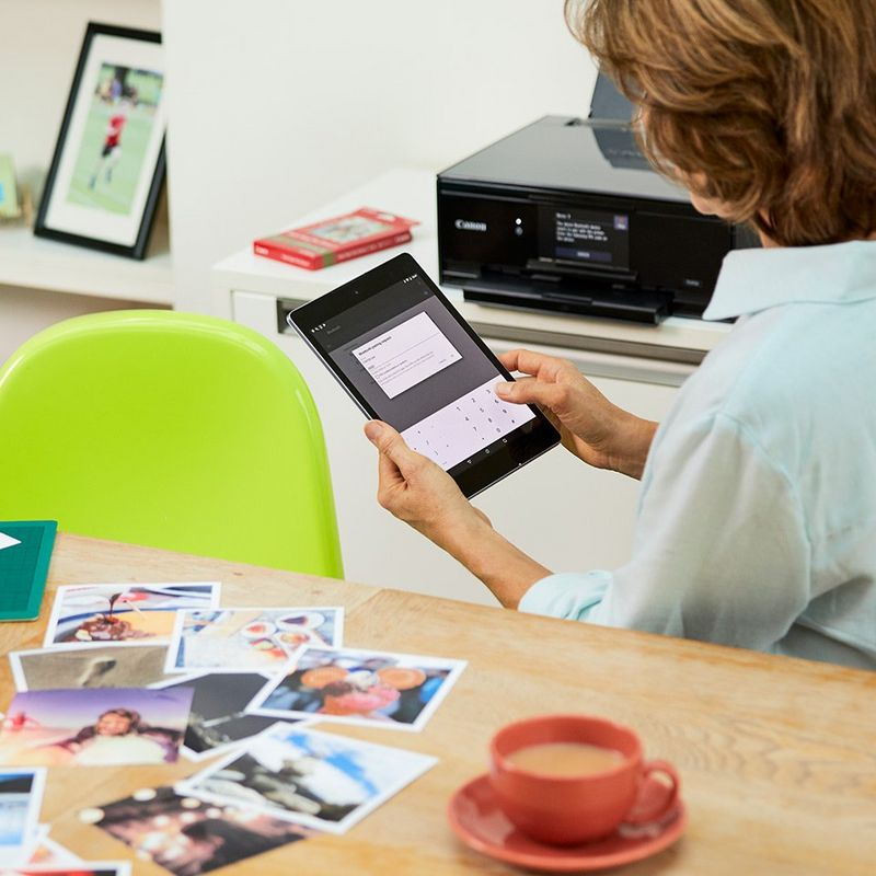 PIXMA printers let you quickly printer status updates and maintenance messages on your smart device.