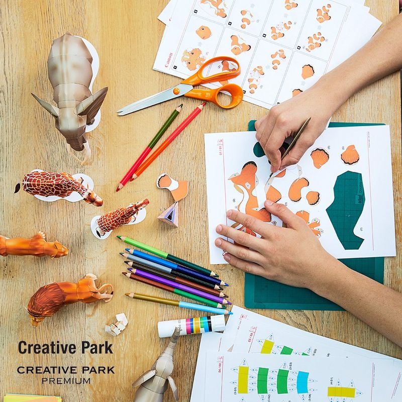 Everyone can print and create personalised greeting cards, calendars and lots of other fun photo and 3D paper objects using Canon's online Creative Park.