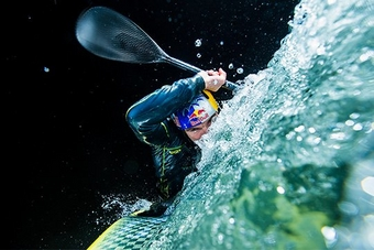 Photographing world champion kayaker Peter Kauzer on a DSLR