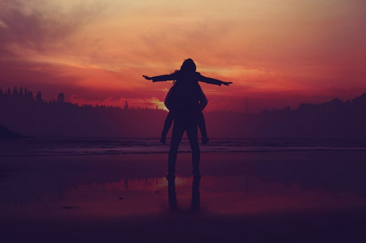 Couple silhouette-piggy back-sunset-mohamed nohassi-unsplash-223475