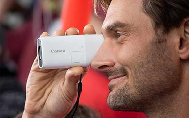 Get closer to the action with the Canon PowerShot ZOOM