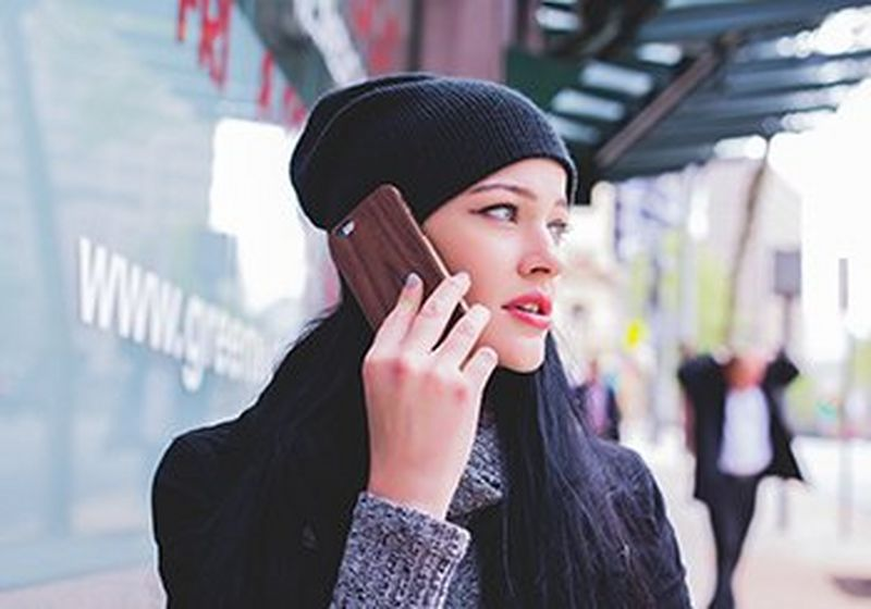 Young woman talking on her smartphone