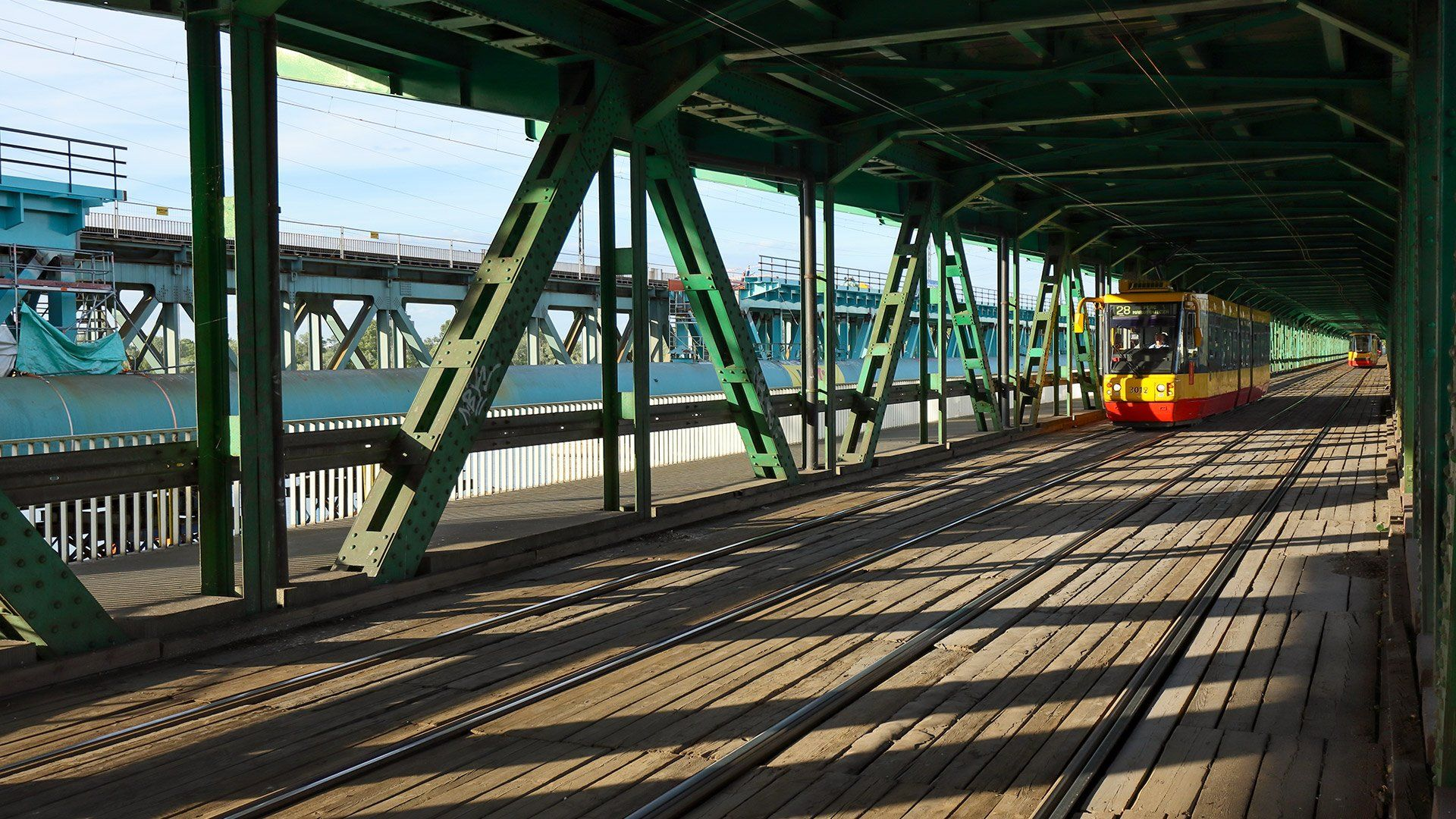 EOS M6 Mark II sample tram tracks bridge