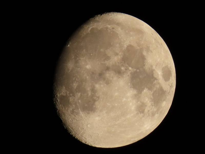 To the moon and back with telephoto zoom.
