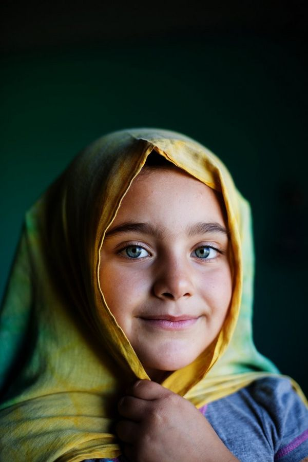 A portrait of Zayneb Omar, a seven-year-old Kurdish refugee from Qamishli in Syria.