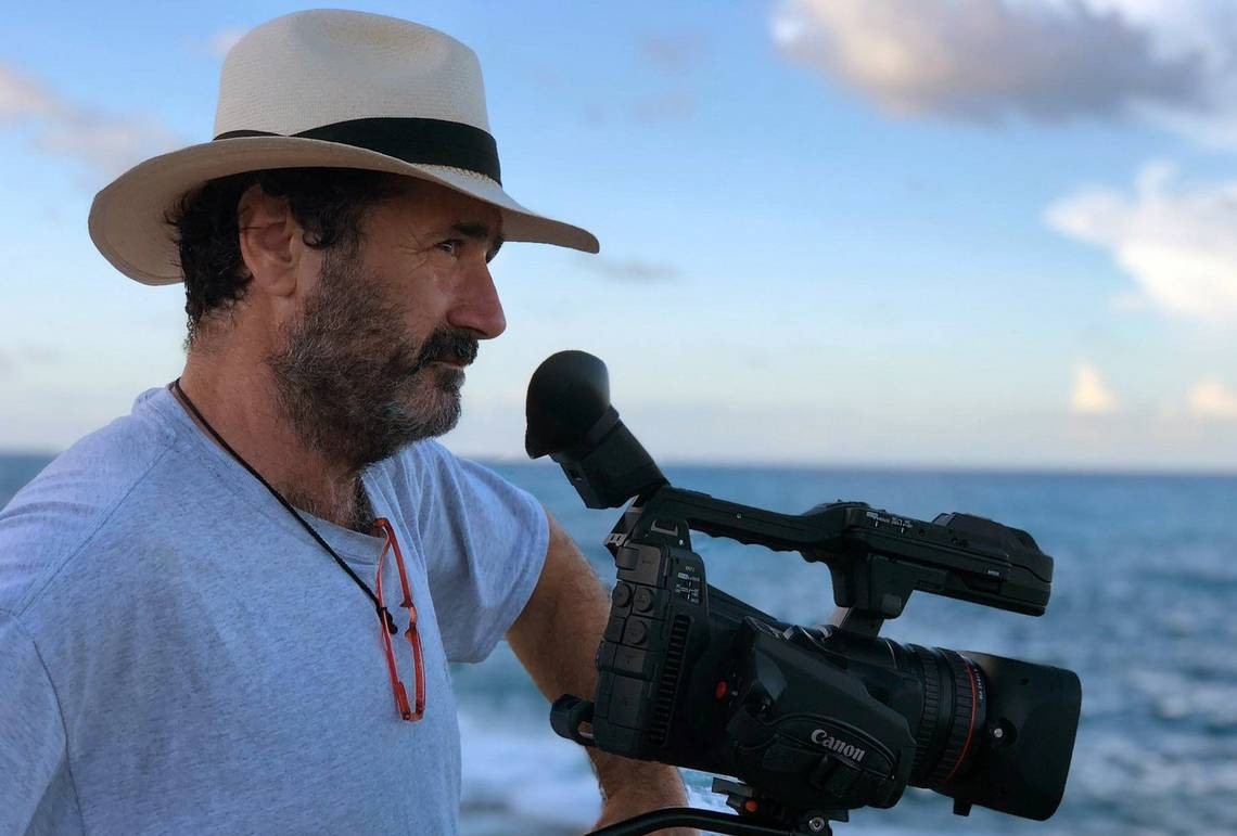 Alfonso Parra with the Canon XF705.