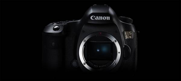 A Canon EOS 5DS camera.