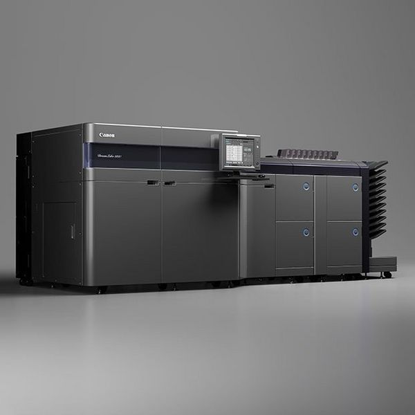 The DreamLabo 5000 made it cost-effective for the company to introduce fine art printing to wedding albums.