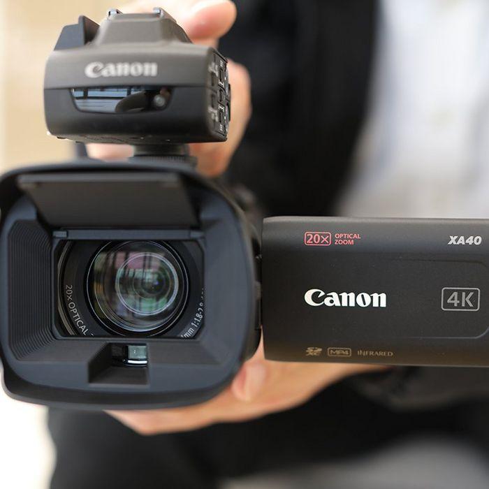 Canon XA45/XA40