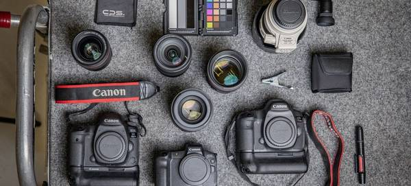Canon Ambassador Clive Booth's kitbag, including a Canon EOS R, Canon EOS 5D Mark IV and Canon lenses.