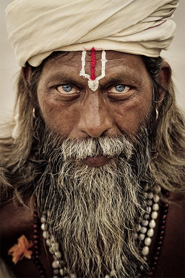 A portrait of an Indian sadhu (holy man). Photo by Joel Santos on a Canon EOS 7D.