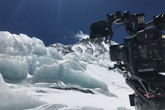 Filming a rugby world record on Everest with the EOS C200
