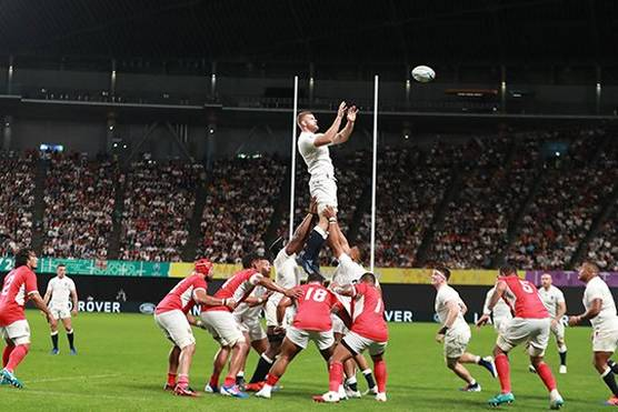 George Kruis of England wins a lineout during the England v Tonga match at Rugby World Cup 2019™.