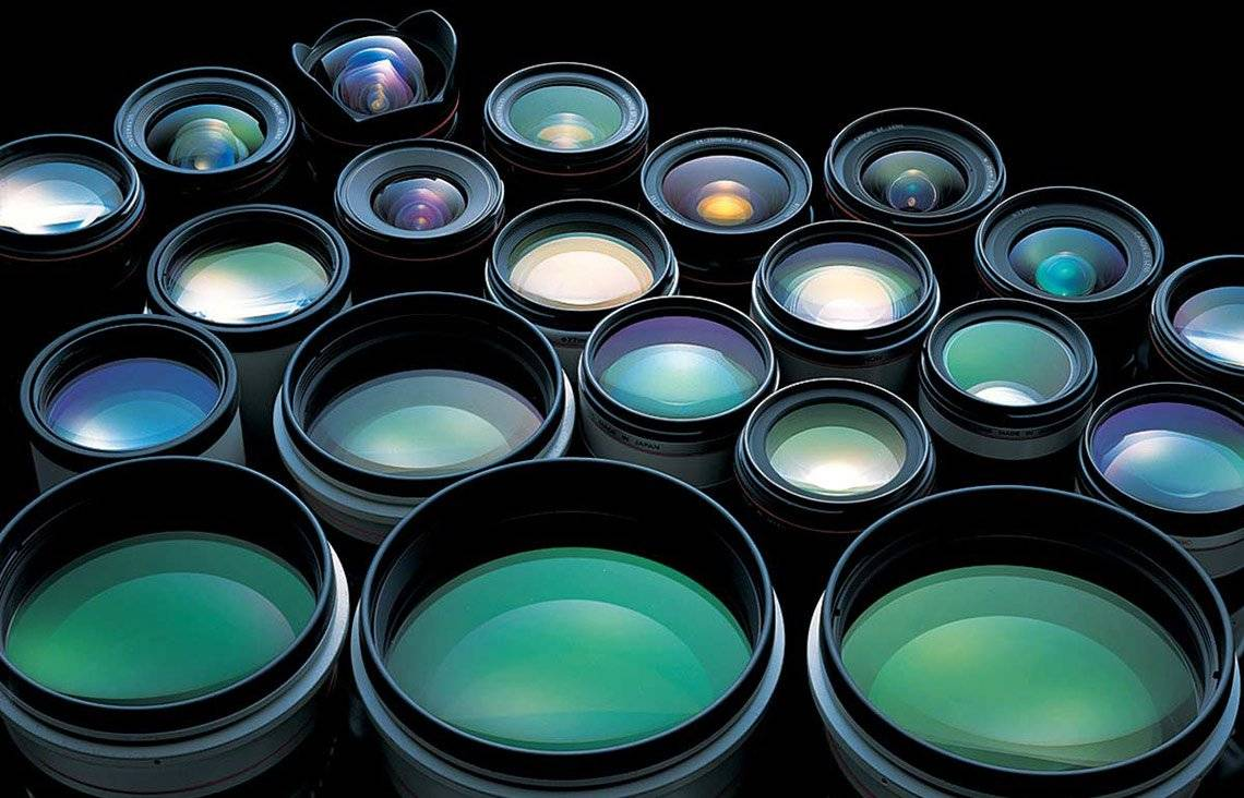 A selection of 21 Canon lenses.