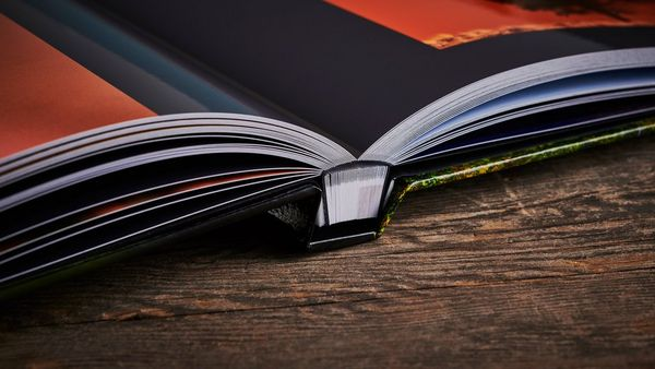 A close-up image of Thorsten Milse's Living Planet hdbook, showing the quality of the binding.