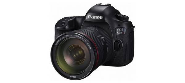 A Canon 5DS R camera with a 24-70mm lens on a white background.