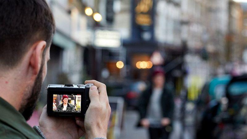 Canon EOS M6 Dual Pixel CMOS AF