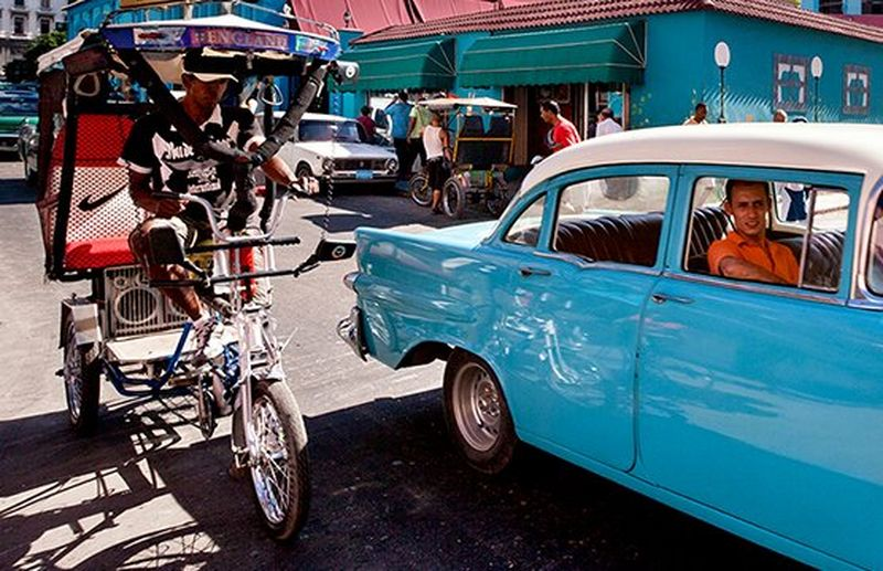 busy road in Cuba