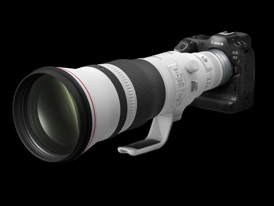 EOS R3 Seitenansicht mit RF 600mm F4L ISUSM Objektiv