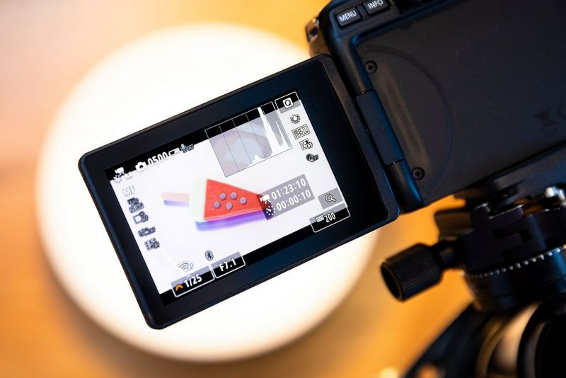 The vari-angle screen of a Canon EOS 250D displaying the settings chosen for a time-lapse shoot.
