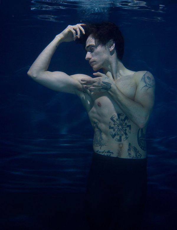 sergei underwater sergei polunin graceful beast