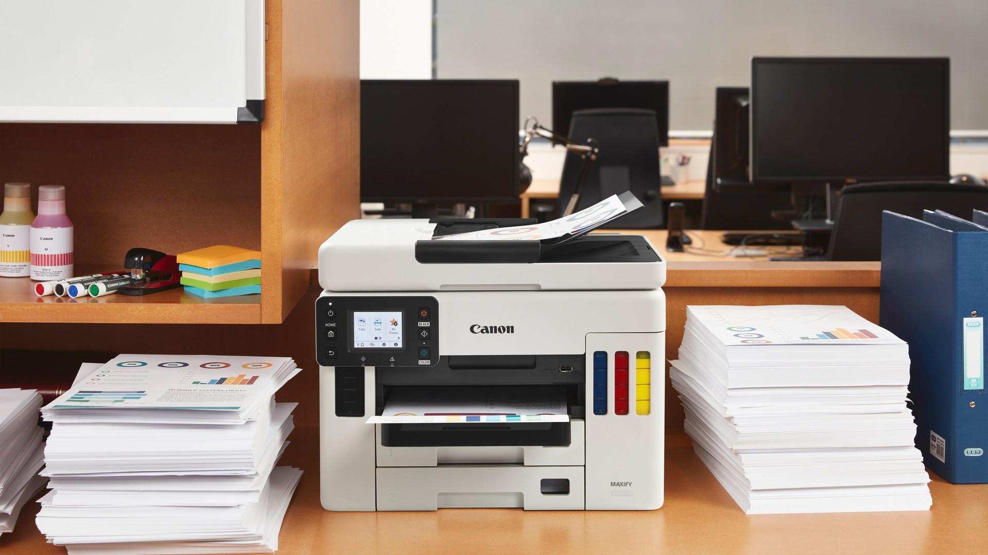 Imprimare cu costuri reduse cu MAXIFY GX6050 şi MAXIFY GX7050