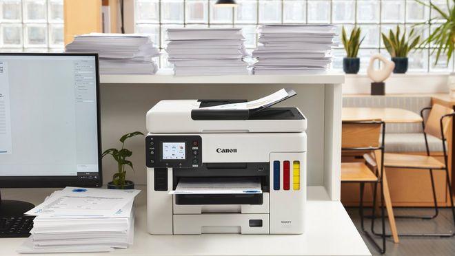 Imprimaţi fişe ale clienţilor şi alte documente cu MAXIFY GX6050 şi MAXIFY GX7050